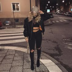 All black, except my favorite cap from and my clutch 🐪🐪 Tomboy Fashion, Fashion Killa, Fashion Outfits, Womens Fashion, Fashion Hacks, Female Fashion, Fall Outfits, Casual Outfits, Cute Outfits