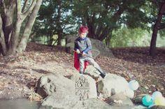 photographie d'enfant / http://www.desplumesdanslaboite.com/4-ans-de-mon-super-hero/