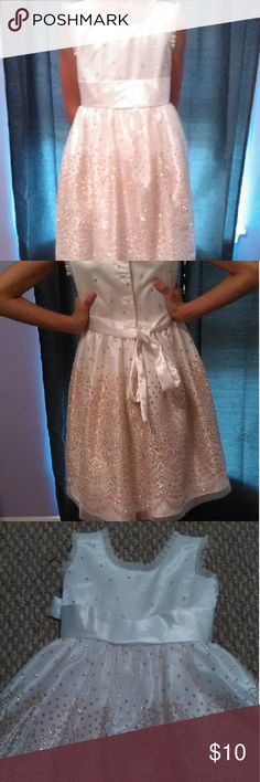 Jona Michelle Dress Beautiful creme and gold glitter dress. Is missing one button on back as shown. Great for pictures and banquets. Questions or concerns, please ask! Happy poshing ? Dresses Formal