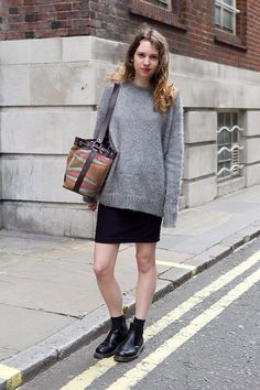 I hate that bag but... the rest... is good (uk street style via tumblr)