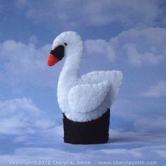 Swan Finger Puppet