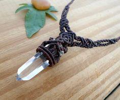 Quartz wand macrame necklace, macrame jewelry, crystal wand pendant, micro macrame, crystal jewelry, macrame stone, micromacrame pendant