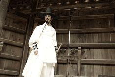 Costume worn by Lee Mong-hak (played by Cha Seung-won) in another fantastic period movie, Blades of Blood (구르믈 버서난 달처럼).