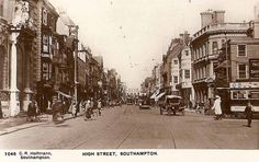 High St, Southampton, England in the 1920's