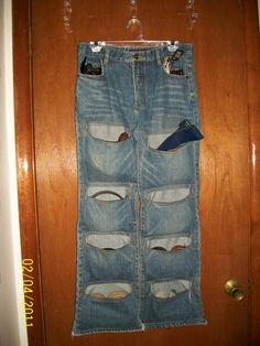 upcycled denim belt organizer - WONDERFUL IDEA
