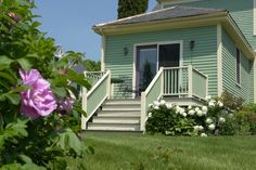 The private deck off the Island Cottage room offers wonderful views of our gazebo and gardens