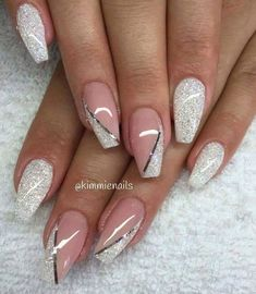 stylish dress before the New Year. There are new nail trends replaced by others year after year. Some nail designs give way to others and become less popular. Nails for New Years 2018 will be special too. We'll tell you about preferred colors, fashionable Elegant Nails, Classy Nails, Fancy Nails, Cute Nails, Pretty Nails, Nail Designs 2017, Nail Art Design 2017, Cute Nail Designs, Popular Nail Designs