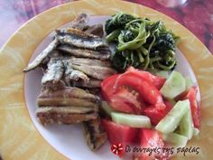 Anchovies without any regrets Greek Cooking, Beach Meals, Greek Recipes, Fish And Seafood, Tray Bakes, Seafood Recipes, Healthy Recipes, Healthy Food, Food And Drink