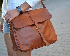 Etsy :: Your place to buy and sell all things handmade Brown Leather Messenger Bag, Leather Duffle Bag, Leather Laptop Bag, Leather Shoulder Bag, Laptop Bags, Duffle Bags, Messenger Bags, Leather School Bag, Over The Shoulder Bags
