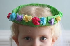 Little Page Turners: spring tissue paper wreath