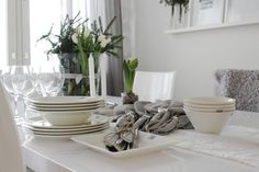 At Maria's: tablesetting