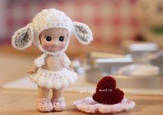 소니엔젤의 포근포근 양모자 한동안 관심밖에 헐벗고 있던 우리 노노(No 노멀이, 만든 노... Doll Toys, Baby Dolls, Sonny Angel, Plastic Doll, Crocheting, Knit Crochet, Angels, Teddy Bear, Inspirational