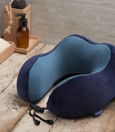 #Komfort #Wellness  #Entspannung  #Schlaf Wellness, Throw Pillows, Neck Pain, Spinal Disc Herniation, Cuddling, Sachets, Toss Pillows, Cushions, Decorative Pillows