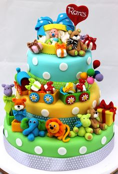Oh so many stuffed animals baby cake. Fancy Cakes, Cute Cakes, Fondant Cakes, Cupcake Cakes, Mini Cakes, Beautiful Cakes, Amazing Cakes, Safari Cakes, Teddy Bear Cakes