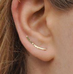 Escaladores de oído, llenada de oro martillado aretes, alfileres de pendiente, pendiente escaladores, pernos del oído, escalador aretes, correas eslabonadas de la oreja, pendientes Pin Oído muy fresco y elegante trepador pendientes *** Hay mucho más interesante de los artículos en mi tienda en Etsy. Visite y consulte por descuentos y ventas: http://etsy.me/1NZ8Q7A Para anillo de nariz - cartílago: http://etsy.me/1PAQL4c Para pendientes de aro: http://etsy.me/1modsxs Para la perforación de…