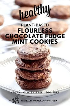 These plant-based Gluten-Free Vegan Flourless Chocolate Fudge Mint Cookies are an easy and healthy r Flourless Chocolate, Chocolate Fudge, Homemade Chocolate, Chocolate Recipes, Chocolate Cookies, Vegan Baking Recipes, Healthy Dessert Recipes, Real Food Recipes, Free Recipes