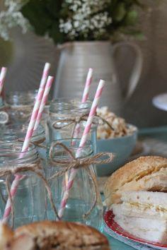 Hen Party pink straw details