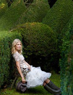 Rosamund Pike-Rosamund Pike Gone Girl - Town & Country Magazine