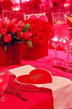 Hot Red Valentine's Day Wedding venue, heart wedding napkins, flowers wedding table decor, valentine's day wedding centerpiece #Valentines day #wedding inspiration www.dreamyweddingideas.com