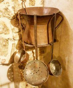 Ancient objects that speak of the history of our territory Antichi oggetti che parlano della storia del nostro territorio #abruzzo #travel #Italy #navelli #abruzzosegreto #tradition