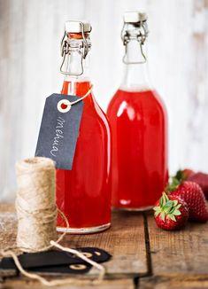 Mansikka-raparperimehu | K-ruoka How To Make Drinks, Fancy Drinks, Smoothie Drinks, Smoothies, Finland Food, Recipes From Heaven, Wedding Catering, Hot Sauce Bottles, Food Photo