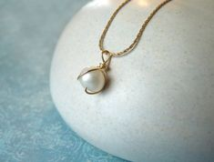 Wire wrapped pearl