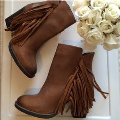 0b926e077c8 347 Best boots are made for walking images in 2019 | Uggs, Delivery ...