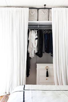 Curtain Wardrobe Doors, Closet Curtains, Bed In Closet, Closet Bedroom, Drapes Curtains, Ideas Armario, Creative Closets, Custom Curtains, Closet Designs