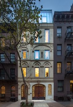 "newyork: "" the waterfall house on the Upper East Side "" New York Townhouse, Waterfall House, Empire State Of Mind, Multi Family Homes, Urban Architecture, House Architecture, Upper East Side, Chrysler Building, City Living"