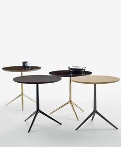 Table guéridon / ronde / contemporaine / en plaqué bois - COZY - B&B Italia