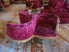 Last month I posted about a lovely piece called a borne settee , which dates back to Napoléon III's period in France (mid-1800's). Well I mu...