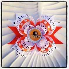 Love this TN triple loop bow. Perfect for game day