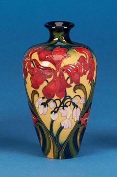 Moorcroft - Gentle Geranium a 72/6 vase by designer Kerry Goodwin for Collectors Club members