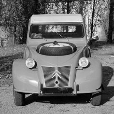 "The 2 CV was given its first ""makeover"" in 2cv Sahara, Automobile, Image Fun, Car Buyer, Auto News, Buggy, Citroen Ds, Car Brands, Cars"
