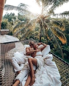 Bali is a real dream destination. If you're traveling to Indonesia this place is a must visit! Save this pin as Bali travel inspiration and to remember which places to visit best✨ Vacation Pictures, Travel Pictures, Couple Photography, Travel Photography, Voyager Loin, Bali Travel, Paradis, Blog Voyage, Photo Instagram