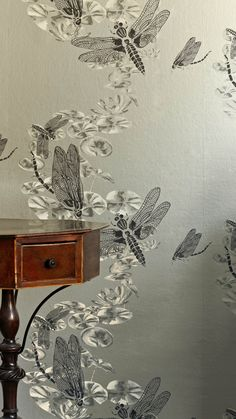 'Dragonfly' wallpaper (pewter)