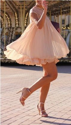 Gorgeous pleated dolly dress in nude pink http://rstyle.me/n/dch6unyg6