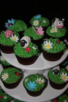 super cute farm animal cupcakes