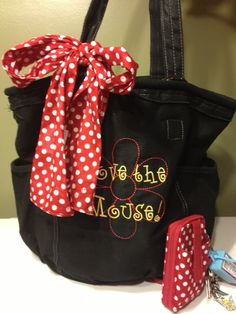 Disney Bound?  Makes a great Tote to use.  Please check it out.  www.mythirtyone.com/lalbennett