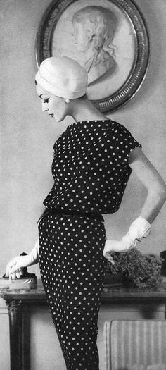 Dovima ~ in a dress by Jean Patou / photo by Henry Clarke; Vogue; March, 1956