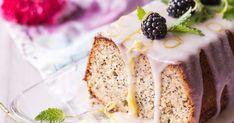 Raikkaan sitruunainen unikonsiemenkakku saa pirteyttä sitruunatahnasta ja hauskuutta poksuvista unikonsiemenistä. Tämän kakun voit leipoa hyvissä ajoin ennen ju