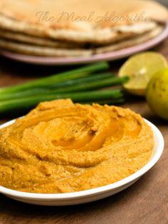 Verschillende soorten hummus met turks brood/groente etc. om te dippen (dit is ethiopische hummus) Hummus is cheap om te maken als je zelf kikkererwten kookt - Rode bieten hummus - Ethiopische hummus - Pittige hummus
