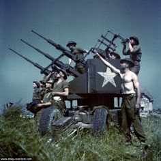Operation Overlord Normandy Soldiers of the Canadian Infantry Division have set up antiaircraft guns on Juno Beach where they landed on DDay on. Battle Of Normandy, Normandy Invasion, Canadian Soldiers, Canadian Army, British Army, D Day Invasion, Juno Beach, History Online, Panzer