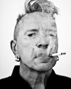 John Lydon aka Johnny Rotten of the Sex Pistols, photographed at the Andaz Hotel on Sunset Blvd. Johnny Rotten, Here's Johnny, Punks Not Dead, Up In Smoke, Communication Art, People Of Interest, People Of The World, Great Pictures, Punk Rock