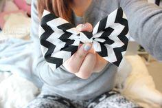 cute chevron hair bow. ♡
