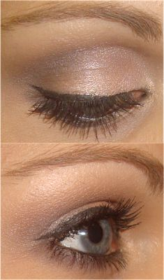 Light eye shadow color with black liner. Great daytime look!