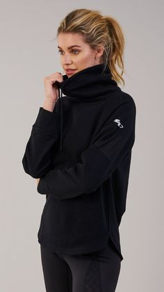Snuggle up in the Gymshark Slouch Hoodie, with oversized cowl neck and indescribably soft cotton fabric. With mesh panelling to the arms and scooped dip hem, there's no need to compromise on style. Coming soon in Black.