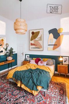 Room Ideas Bedroom, Home Decor Bedroom, 70s Bedroom, Green Bedroom Decor, Bedroom Artwork, Yellow Home Decor, Bedroom With Green Walls, Green Bedroom Colors, Funky Bedroom