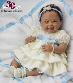 A unique reborn and lifelike So Truly Real® doll by Linda Murray for Ashton-Drake's anniversary. cultured freshwater pearls and baby blanket. Real Baby Dolls, Realistic Baby Dolls, Baby Girl Dolls, Real Doll, Silicone Reborn Babies, Silicone Baby Dolls, Beautiful Babies, Beautiful Dolls, Reborn Toddler Girl