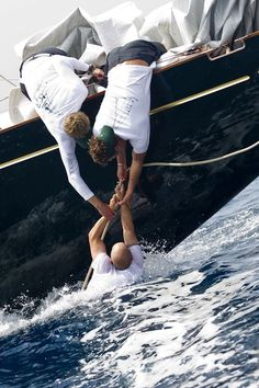 overboard, sailing, water, ocean, sailboat, foam, sea, help, hands, adventure, sport